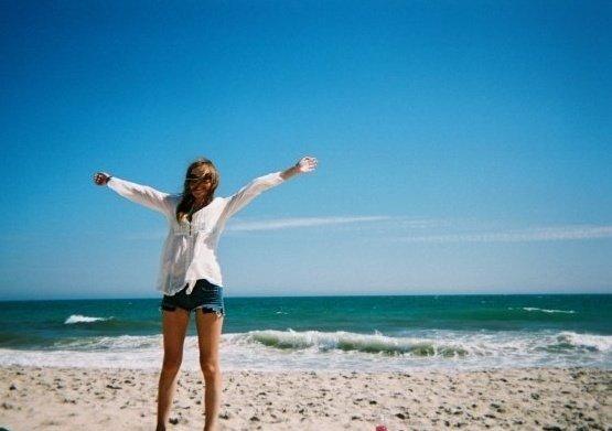 a beach 2.jpg
